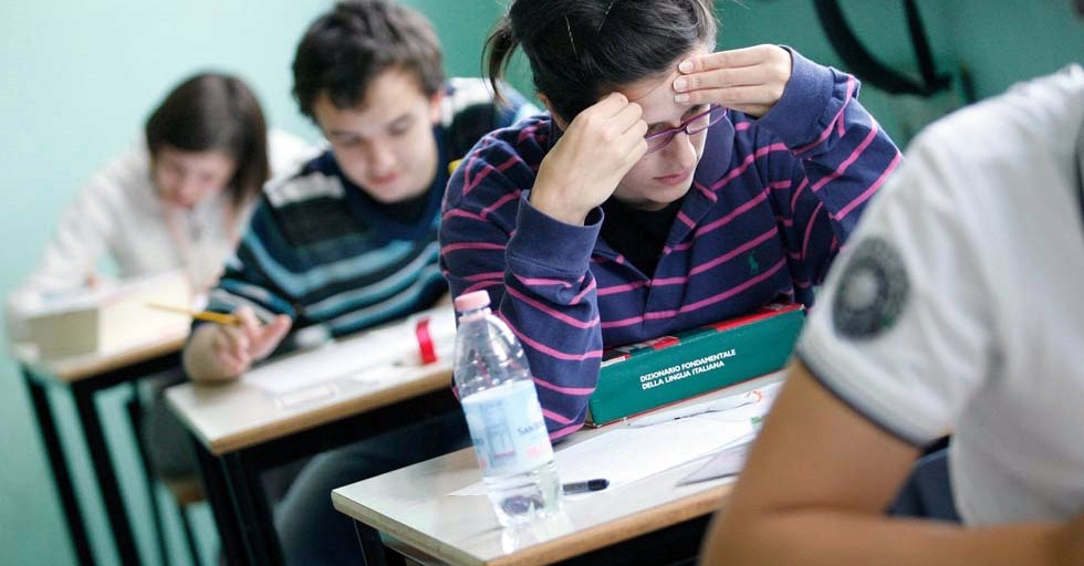 studenti scrivono male